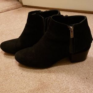 Kenneth Cole Reaction suede black boot with fringe